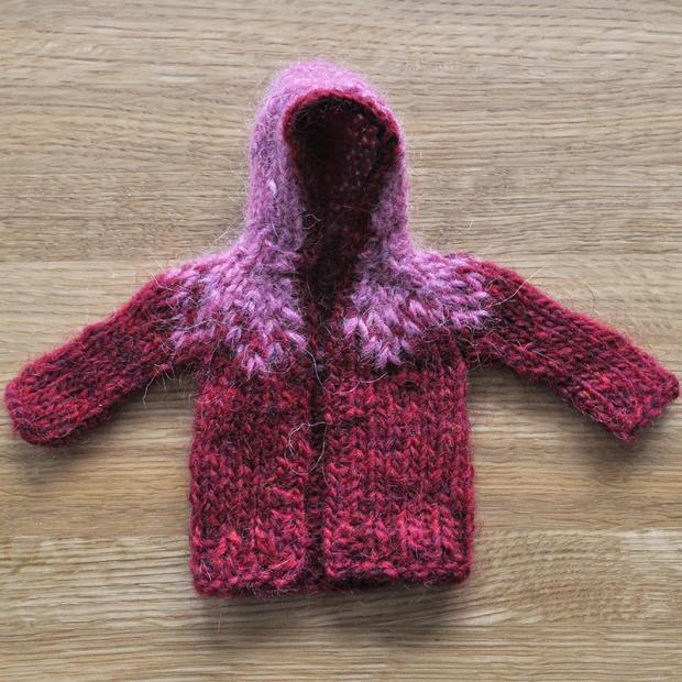 Knitted mini hoodie